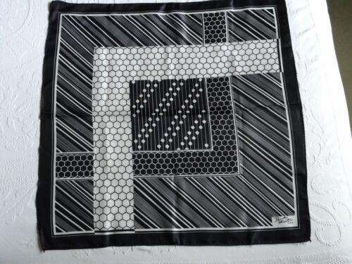 VTG. PAUL POIRET BLACK and WHITE GEOMETRIC DESIGN