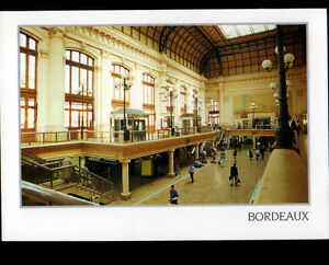 BORDEAUX-33-HALL-de-GARE-Interieur-anime