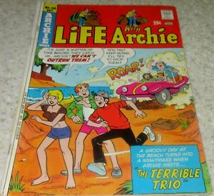 Life with Archie 150, (VF- 7.5) 1974 30% off Guide! Dune Buggy cover!