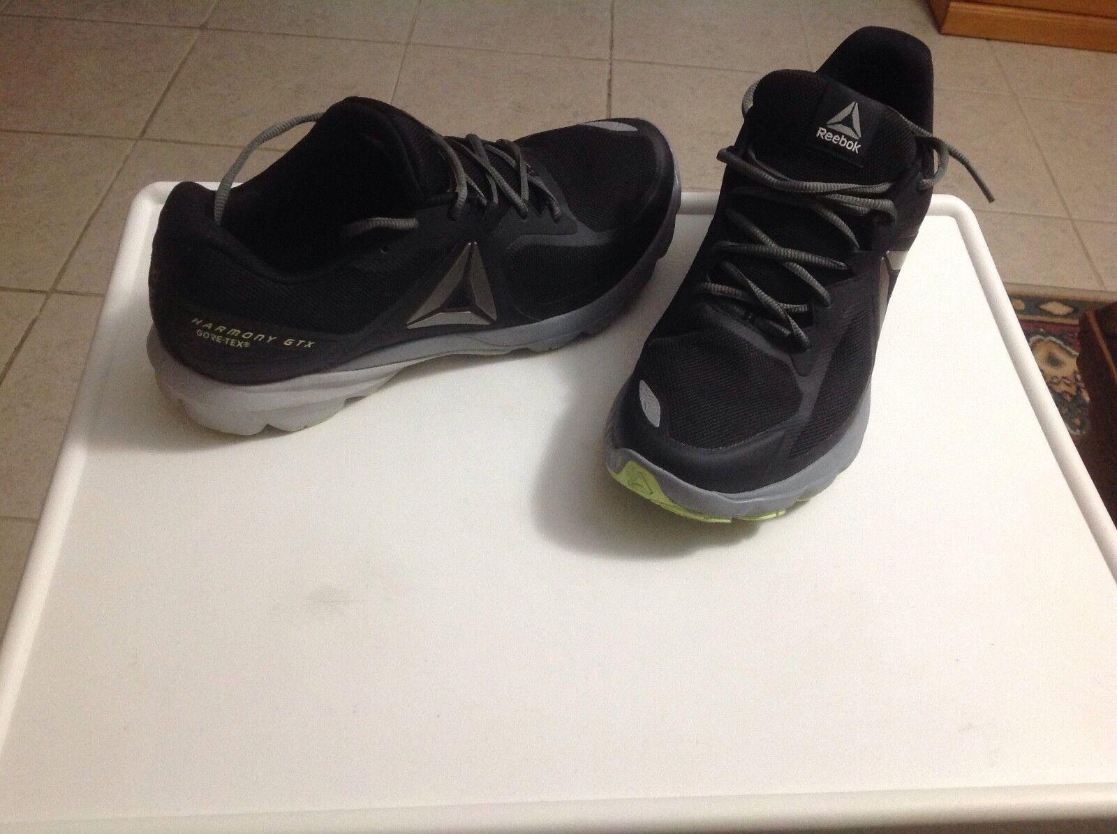 M Reebok athletic sneakers (size 11)