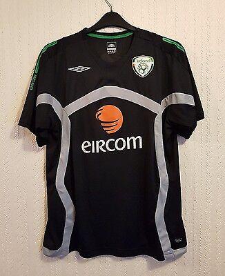 Mens football T-shirts Ireland Size L