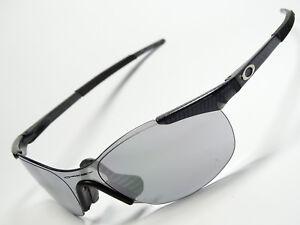 fb9dd5e670 Caricamento dell immagine in corso Oakley-zero-0-4-SQUARED-occhiali-da-sole-