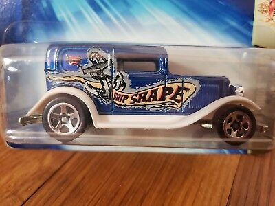 Ford 1932 Ship Shape Anchor Graphic Tat Rods 4//5 NEW Hot Wheels 1:64 #121