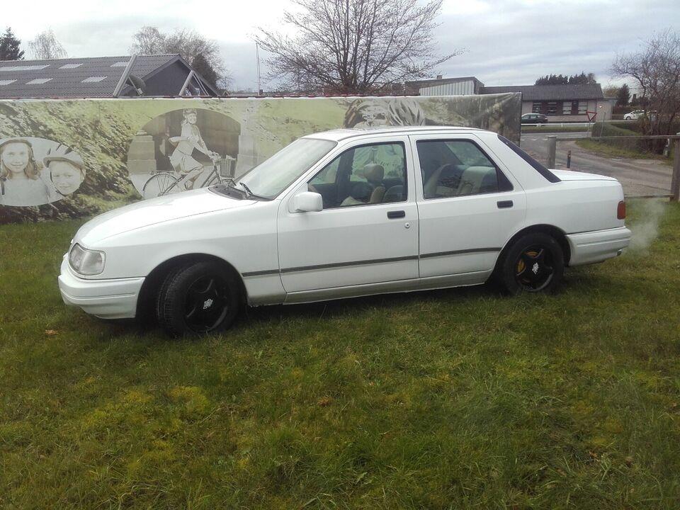 Ford Sierra 2,0 CL Benzin modelår 1987 km 140000 Hvid