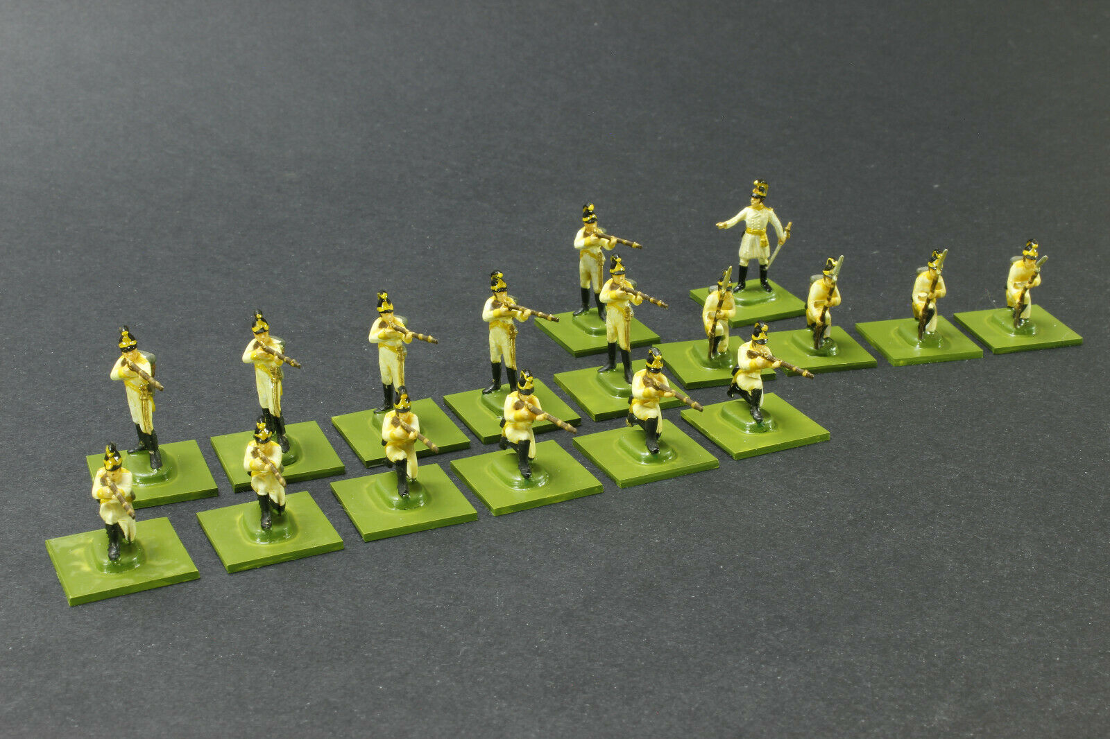 Italeri 17 AUSTRIAN Line Infantry 1 72 scale Painted on bases Napoleonic