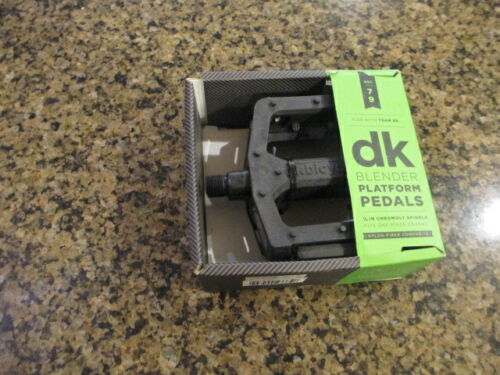 "DK Blender Platform Pedals Black 1//2 /"" diameter fits one piece crank 4.75/"" New"