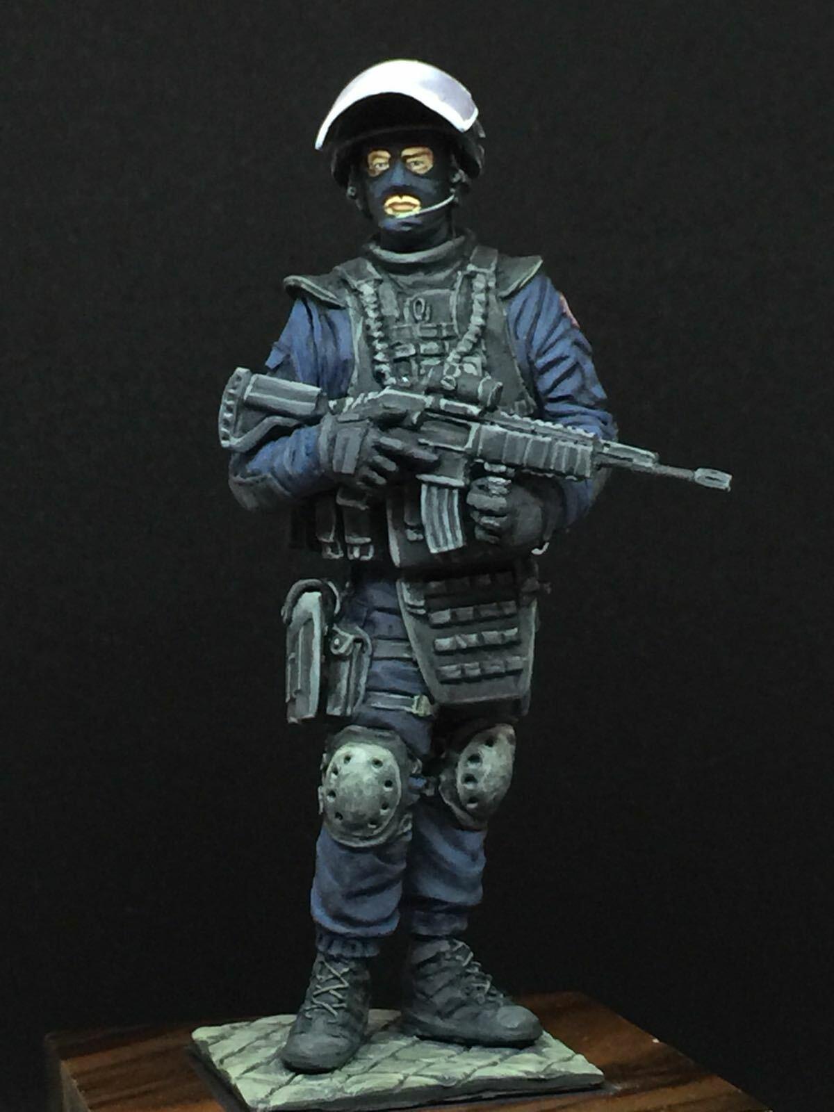 Atelier Maket French Gendarmerie G.I.G.N. 75mm Model Unpainted resin Kit
