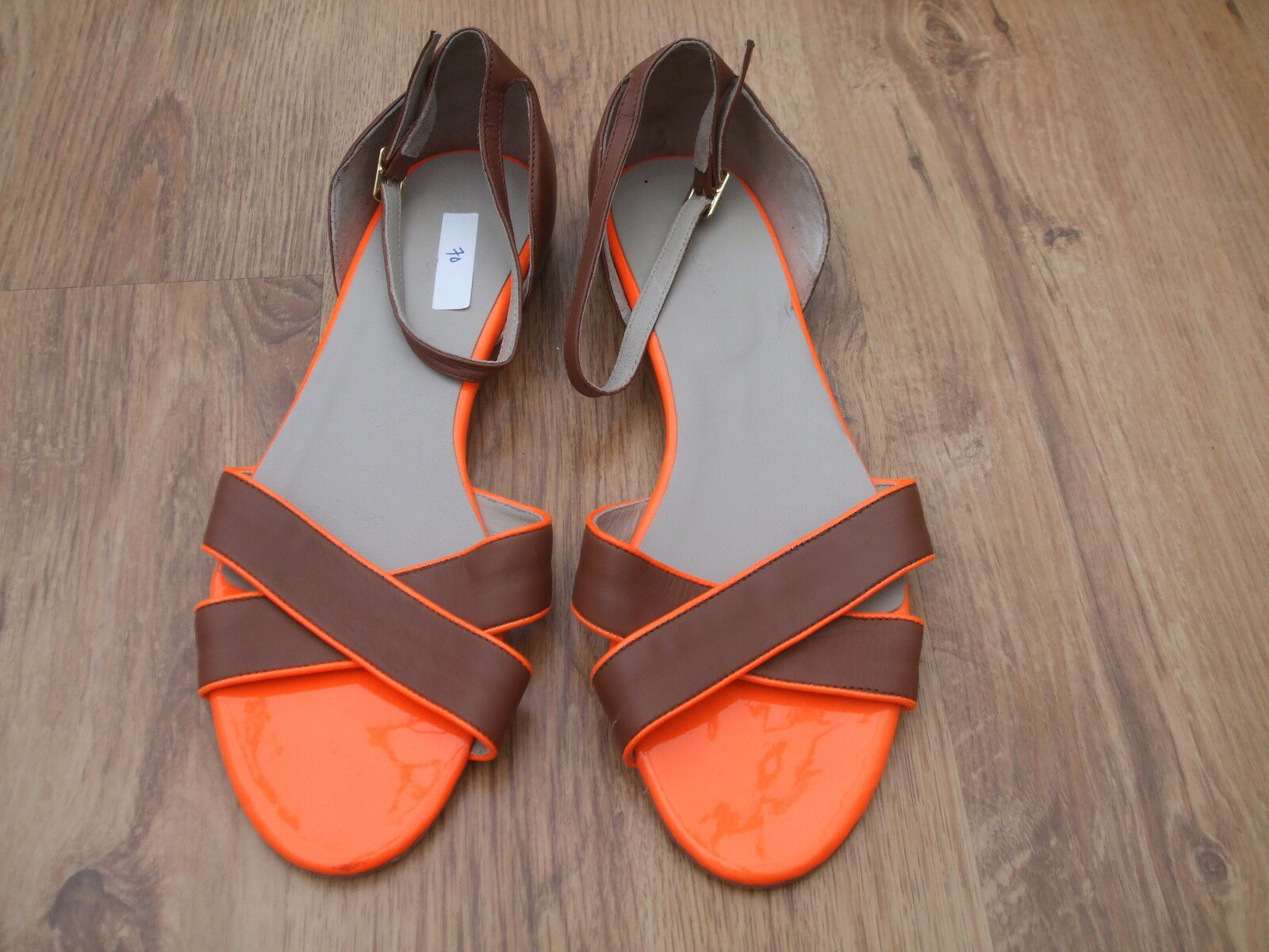 BODEN LEATHER CROSS VAMP SANDALS   SIZE 38==5