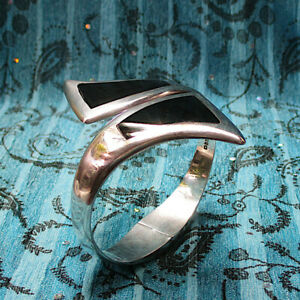 Vintage-Taxco-950-Sterling-Onyx-Hinged-Cuff-Bracelet-Signed-CDC-TD-27-by-Alicia