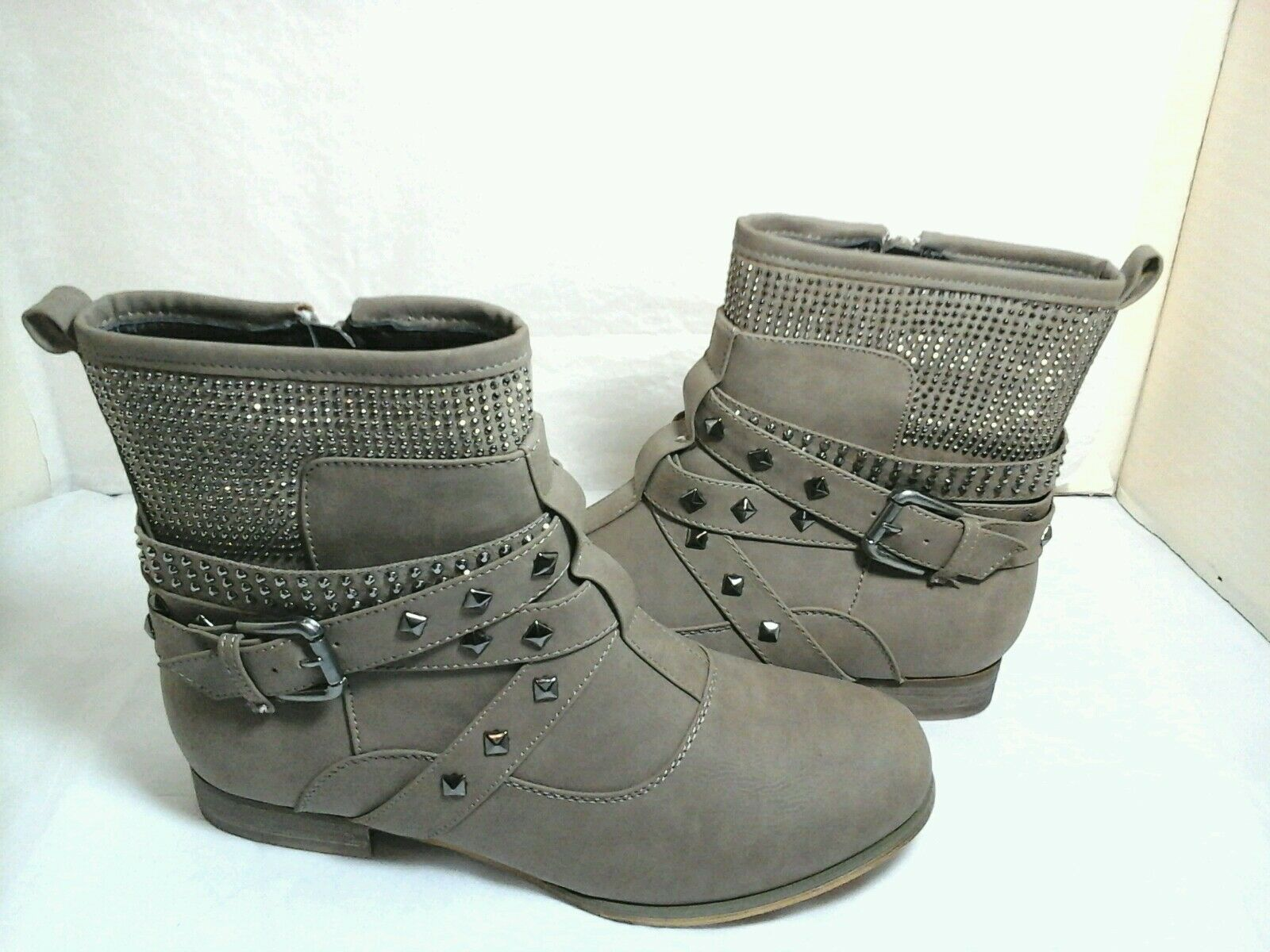 Men/Women Francesca's Women's Beige Studded to Boots~Size 6.5 for you to Studded choose Online export store List of explosions 9b652d