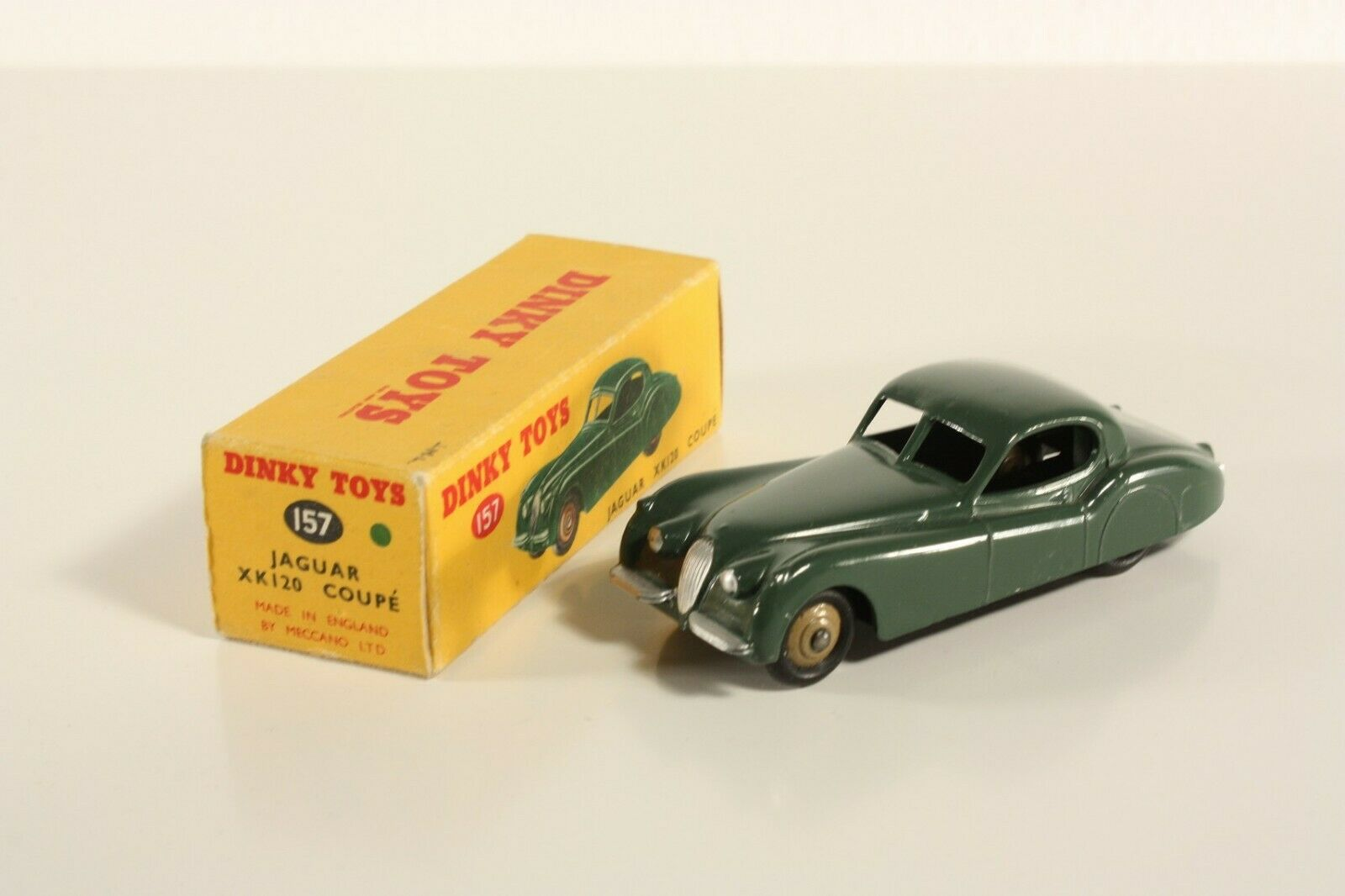 Dinky Toys 157, Jaguar XK 120 Coupe, Mint in Box                          ab2170