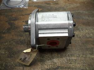 Sauer Danfoss SNM3/33 C107 Gear Pump Motor SNM3NN/033BN07