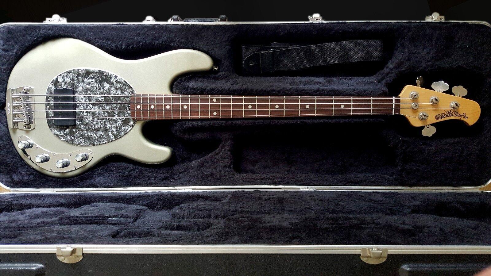 Ernie Ball MusicMan StingRay Bass Custom Classic 4 Rare Metallic Gun Metal Grau
