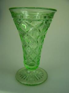c1930-Green-depression-glass-vase-19cm-tall-Crown-Crystal-diamond-pattern