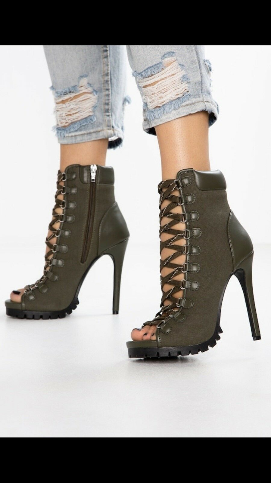 New Steve Madden Fearless Lace Up Booties Size 6.5 Green