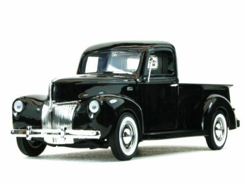 MotorMax 1:18 black FORD Pick up 1940