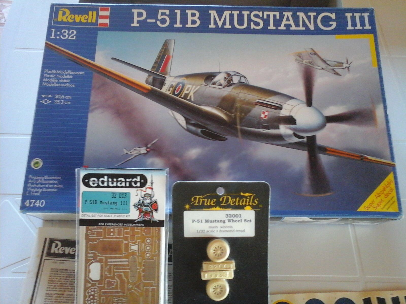P51 B MUSTANG III R.A.F. 1 32 SCALE REVELL MODEL+PHOTOETCHED +RESIN WHEEL SET