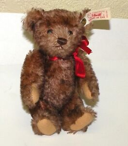 """Little Maestro"" 6 1/2"" Steiff teddy bear for MJ Hummel Goebel c. 2000"