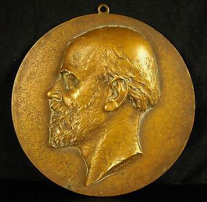 Médaillon à Lefébure Louis Valère né à Blois le 27 juillet 1812 sc B Honoré 16cm