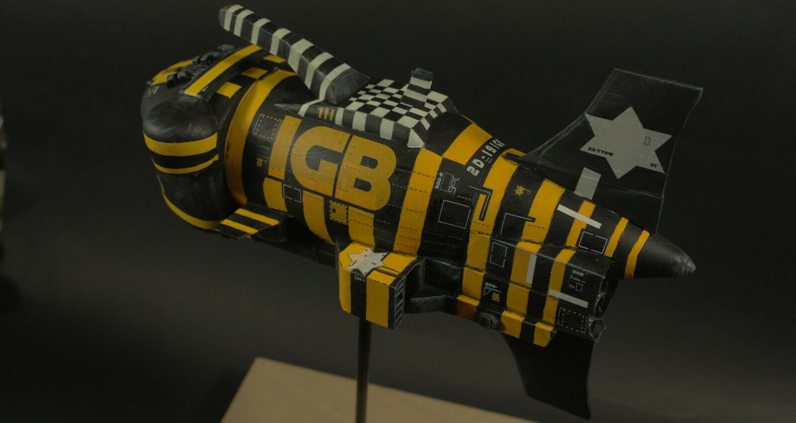 Model kit spaceship (alien,Dune,star wars inspired) Chris foss inspired artwork