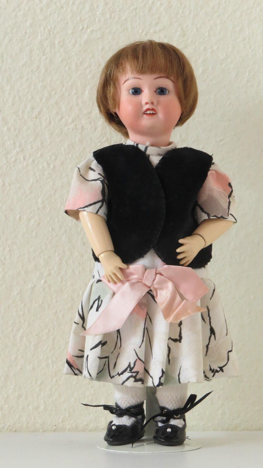 Blauette  SFBJ 60   Ref   D  27 cm Poupée Ancienne   Reproduction  Antique  Doll