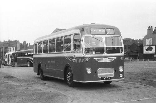 PHOTO West Yorkshire Bristol LS EUG77 YWT291 in 1959