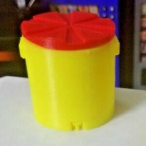 RC-1-10-Scale-Bright-Yellow-Red-Round-Water-Ice-Cooler-Rock-Crawler-Accessories
