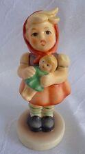 Goebel Hummel  Figur Mädchen mit Puppe Nr. 239/B