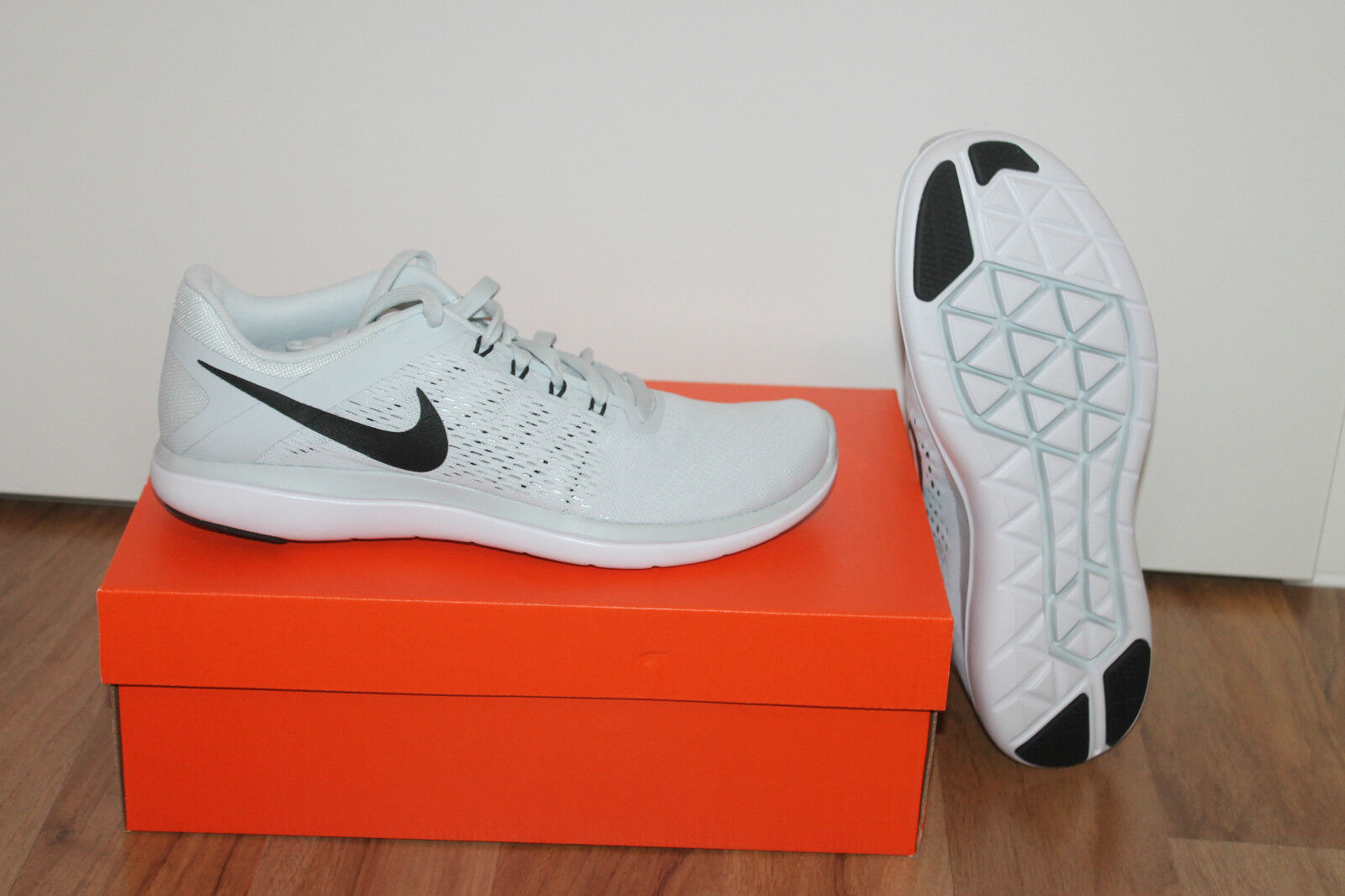 Nike Flessibile 2016 Da men Da Corsa Fitness Scarpa grey Bianco black