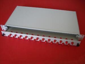 19-034-Glasfaser-Spleissbox-mit-24xST-Kupplung-LWL-1-HE-Fabr-Ackermann-ausziehbar