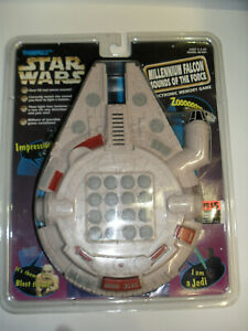 Star-Wars-Millenium-Falcon-Sounds-Of-The-Force-Electronic-Memory-Game-1997-New