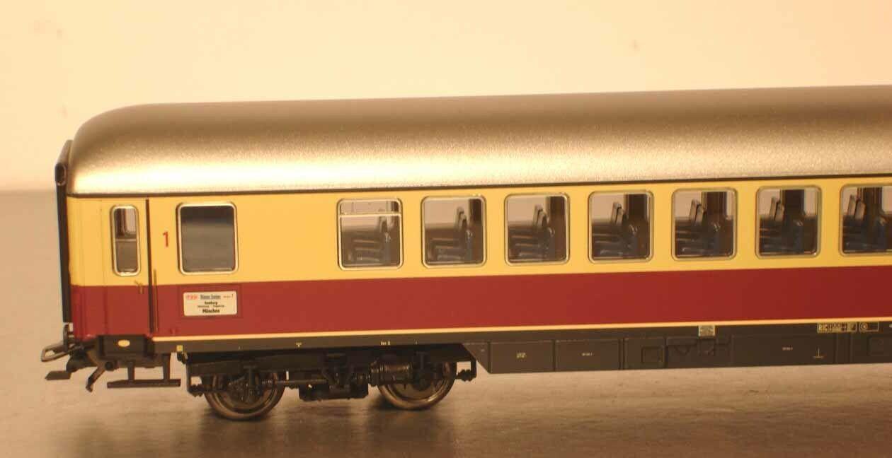 Marklin HO  00776-12 Train Cars 1.Kl. Tea  bluee Gentian