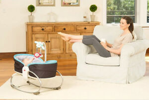 NEW-TINY-LOVE-3-in-1-ROCKER-NAPPER-PLAY-BASSINET-GIFT-BABY-TOY