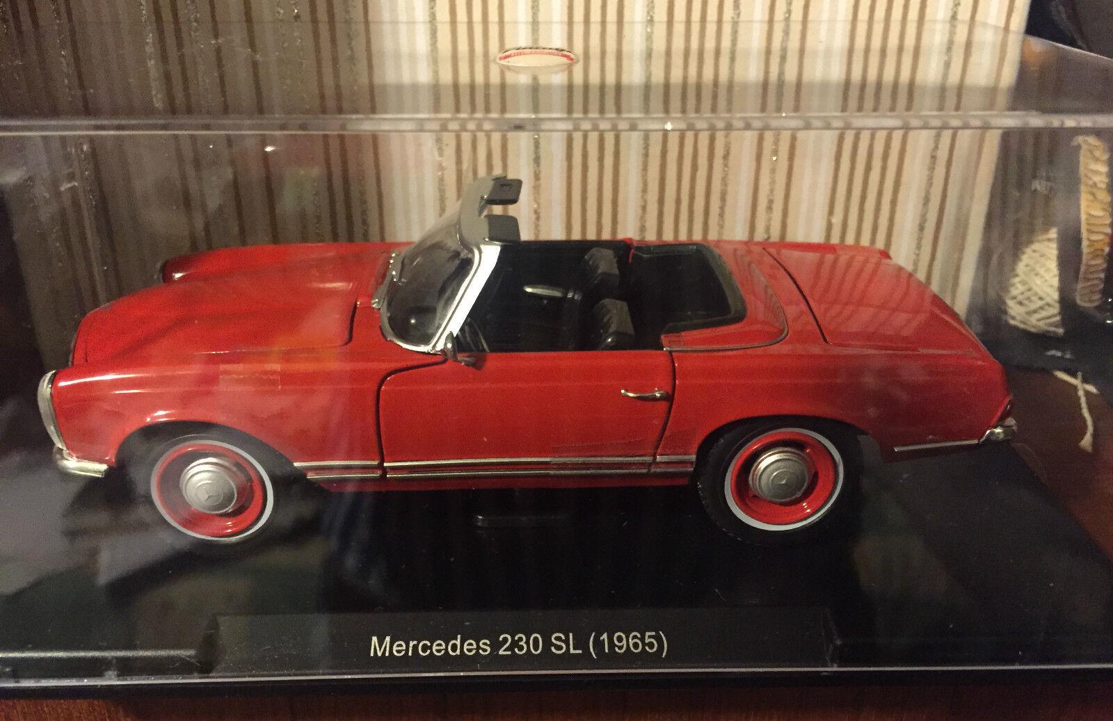 DIE CAST   MERCEDES 230 SL (1965)   SCALE 1 24 CAR VINTAGE