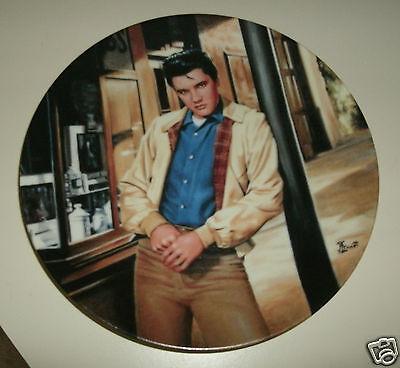 Elvis Collector Plates  #6582A  Artist Bruce Emmett The Bradford Exchange 8 inch