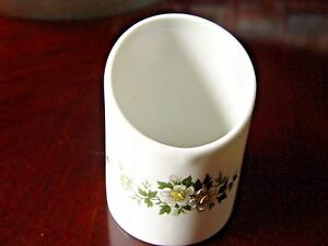 Vintage-French-Porcelain-Creamer-Moriage-Daisies-Limoges