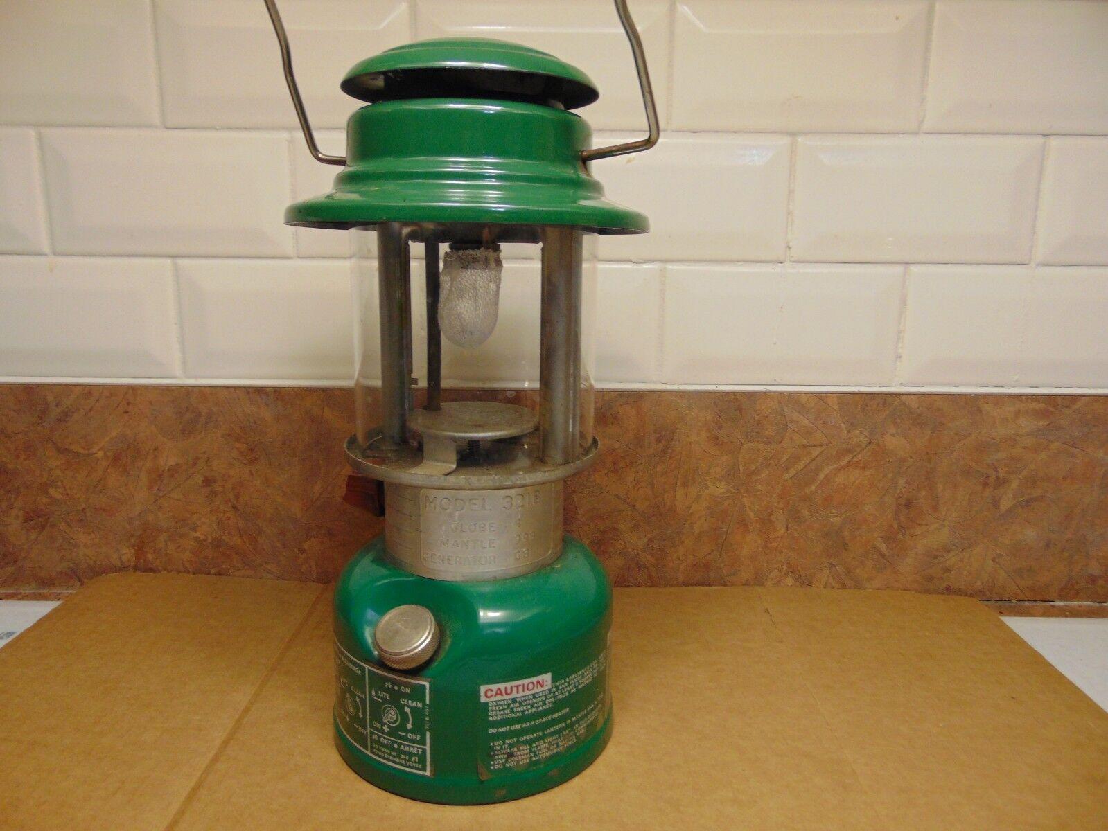 Vintage    lantern coleman   321  b  very    nice  wholesape cheap