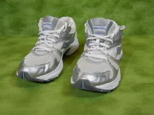 Saucony women's Athletic shoes XT - 600