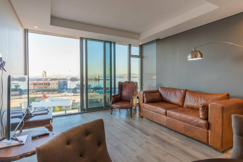 1 Bedroom Apartment For Sale in The Yacht Club, Foreshore