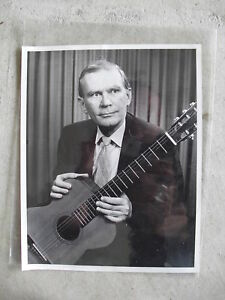 Vintage-Country-Singer-with-Guitar-Press-Photograph