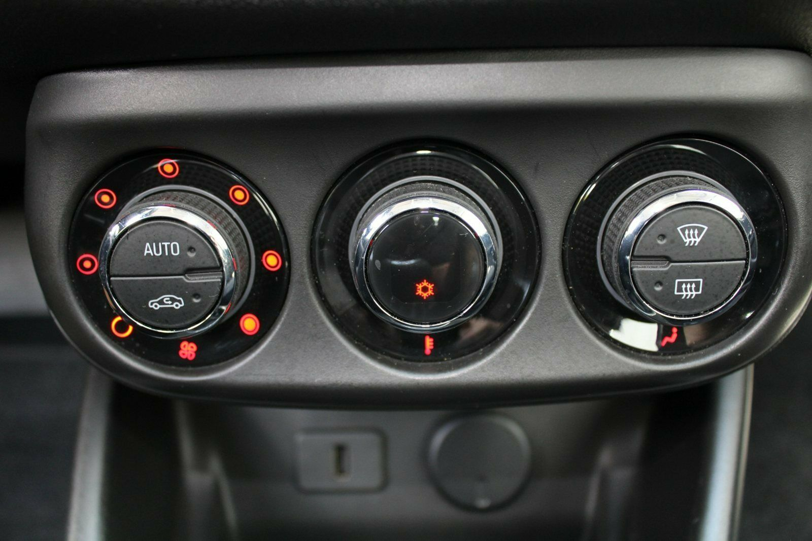 Opel Corsa 1,4 16V Enjoy aut. - billede 12