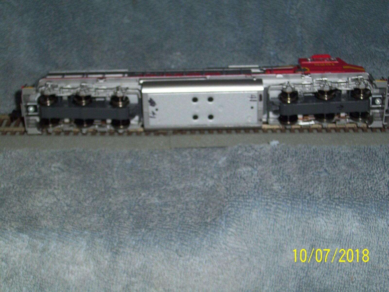 ATHEARN GENESIS HO SCALE G6135 SD75M SD75M SD75M BNSF  8251 w DCC f18734