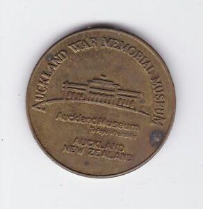Auckland-War-Memorial-Museum-New-Zealand-Tourist-Dollar-Medal-D-387