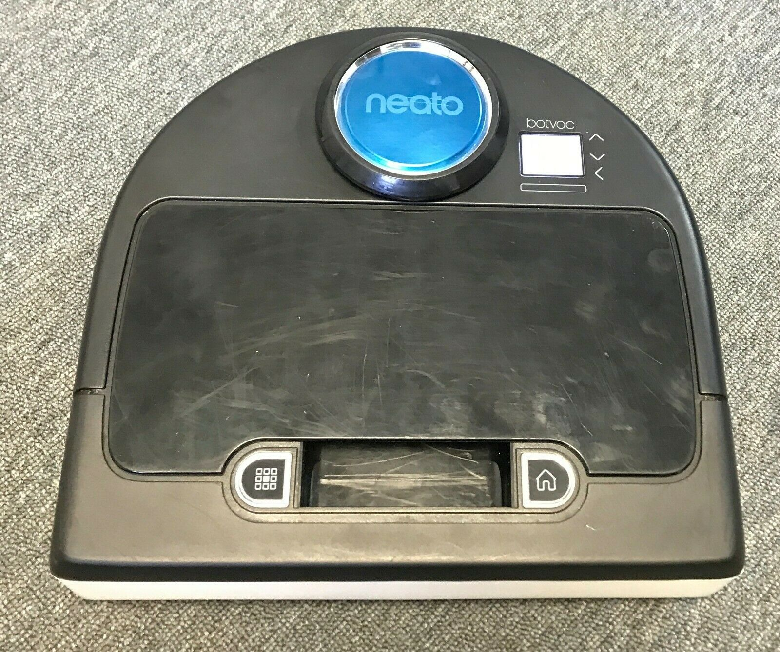 Neato Botvac D80 Bagless Robot Vacuum Cleaner 905-0285 AS-IS needs battery
