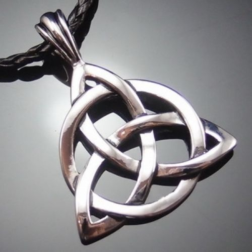 """Retro Celtic Knot Triquetra Trinity Pewter Pendant with 20/"""" Choker Necklace"""