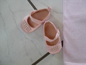 zuckersüß neuw. Schuhe für Taufe/Hochzeit rosa newborn Gr. 18