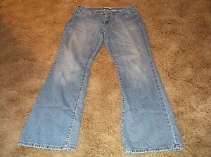 Women-039-s-LEVI-039-S-515-Boot-Cut-Distressed-Denim-Jeans-Sz-10M-10-Medium-Cotton-Blend
