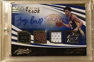 2017-Absolute-Basketball-Lonzo-Ball-Autographed-4-Relics-3-5-LA-Lakers-Beautiful