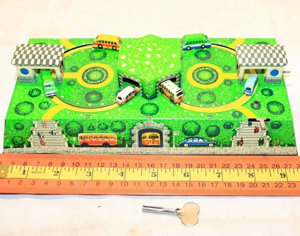 SOVIET RUSSIAN TIN PLATE BUS ROADS STATIONS WIND UP TOY LM RUSSIA Working+key