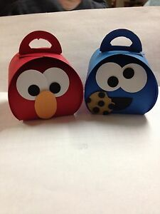 Sesame-Street-Elmo-or-Cookie-Monster-Treat-Boxes-you-fill-Curvy-Keepsake-Box